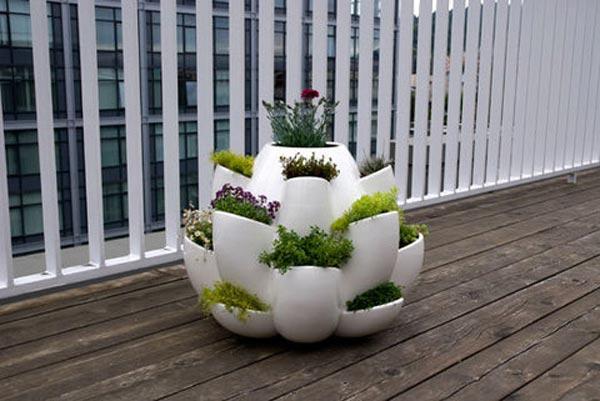 Необычные вазоны для цветов