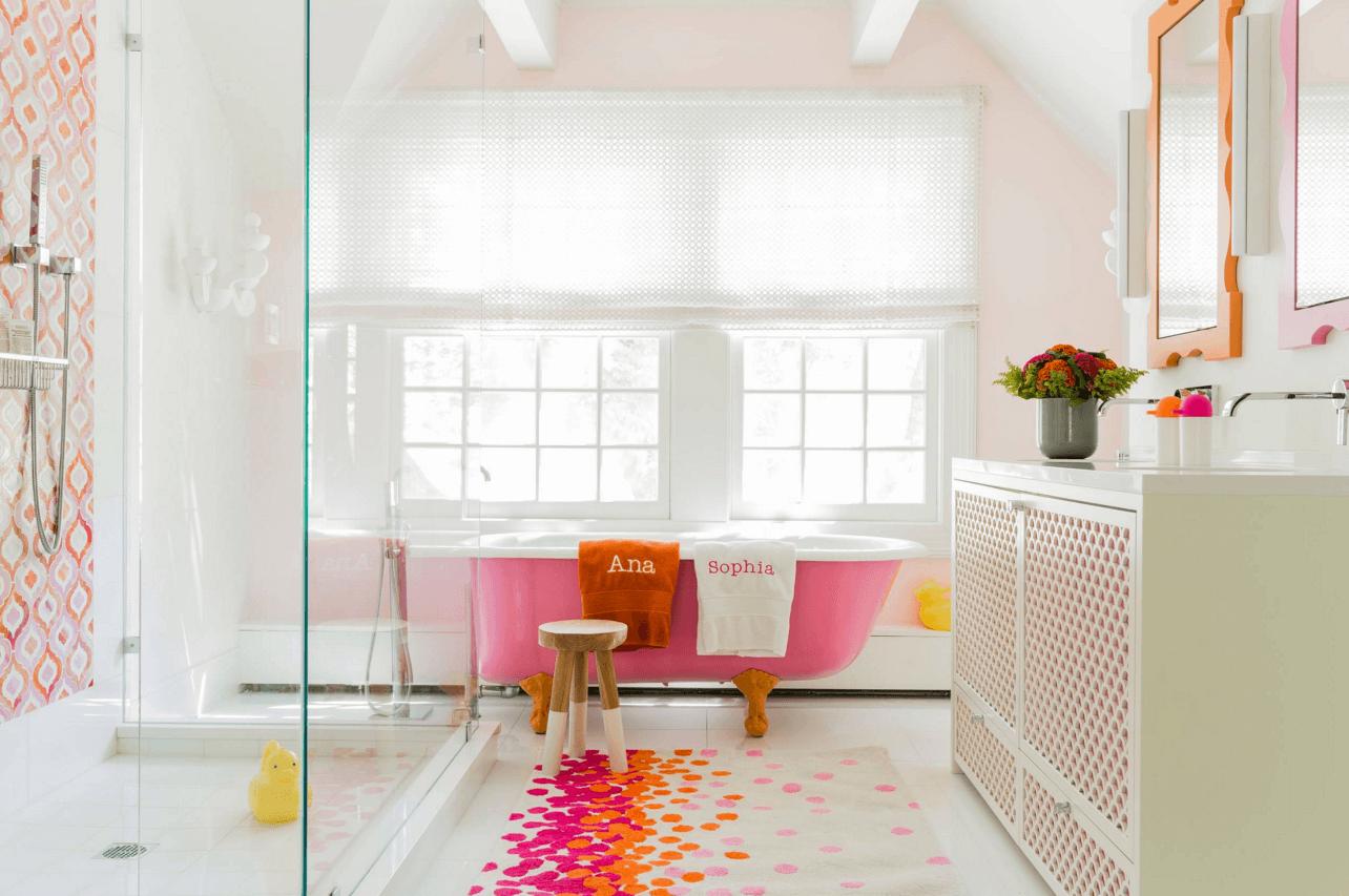 10 Ways to Add Color Into Your Bathroom Design / FresHOUZ.com