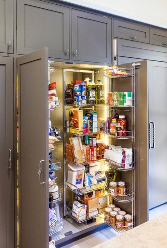 Door Store Unit With Custom Rack