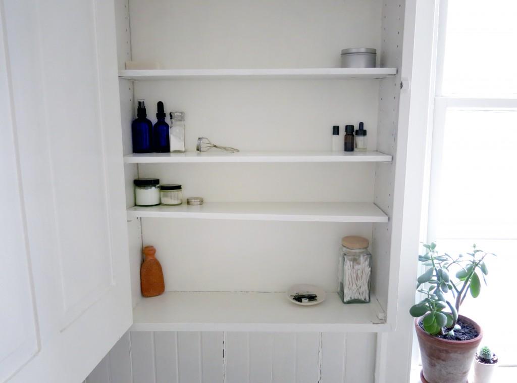 White Simple Bathroom Cabinet