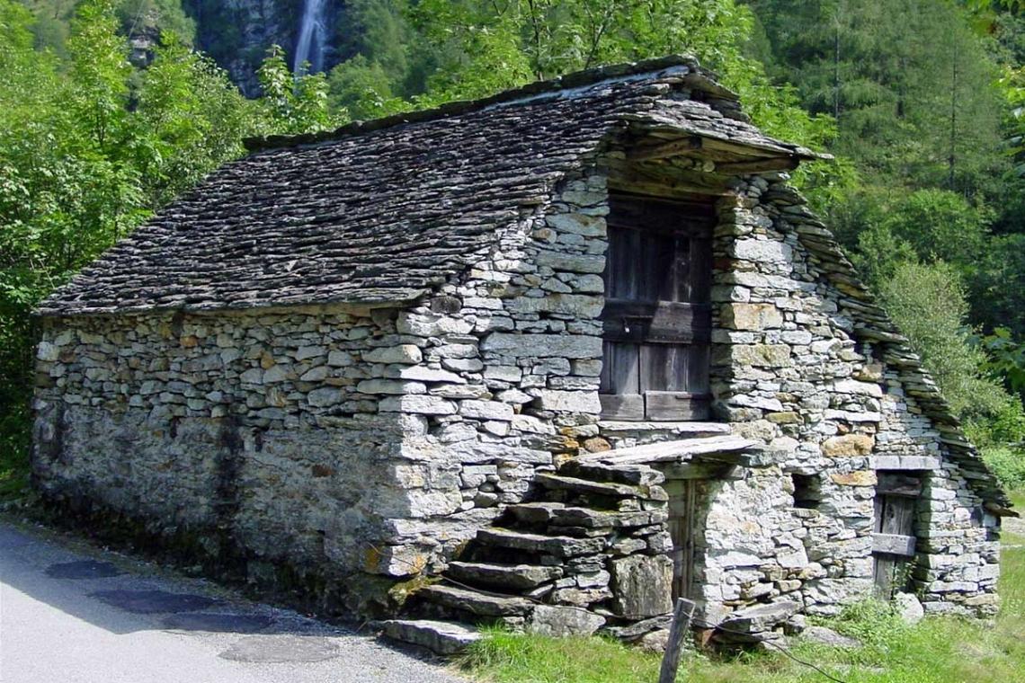 Дом из камней своими руками 85
