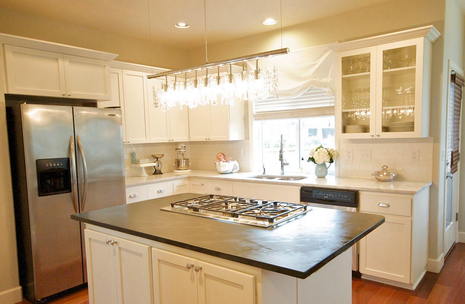 Design kitchens with white cabinet freshouz for Kitchenette cupboard