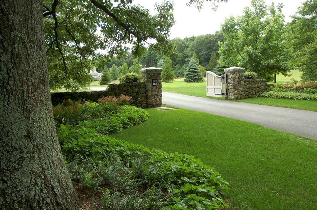 Landscape driveway entrance gate landscape driveway for Driveway landscaping