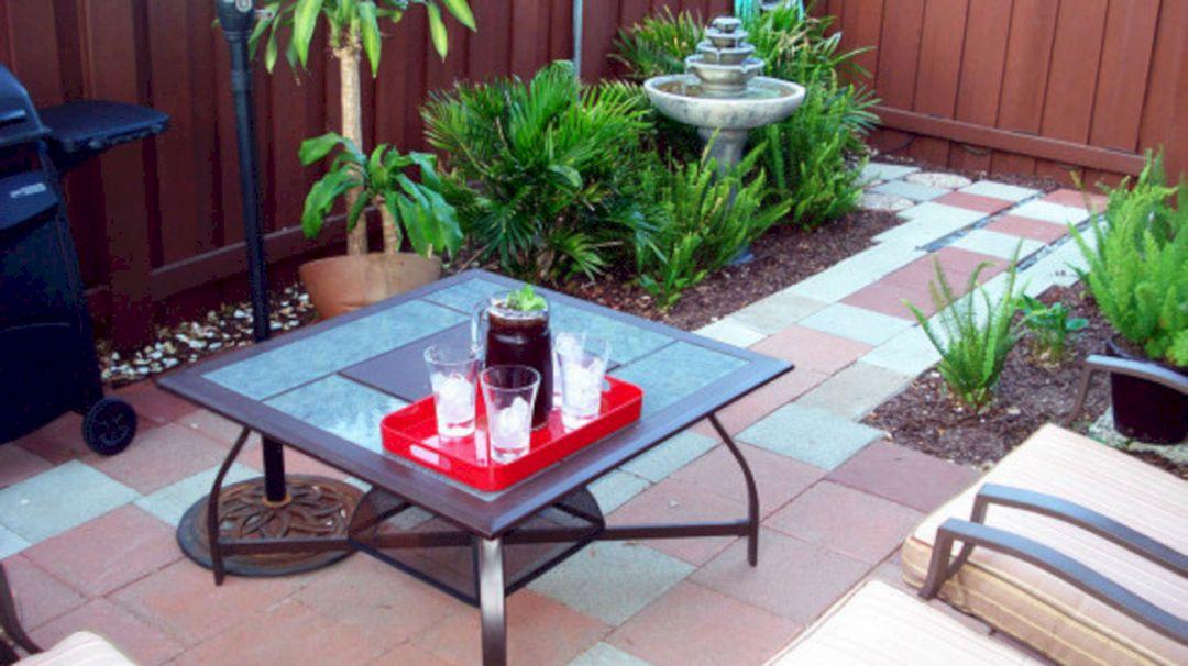 Small condo patio decorating ideas small condo patio for Condo patio furniture for small spaces