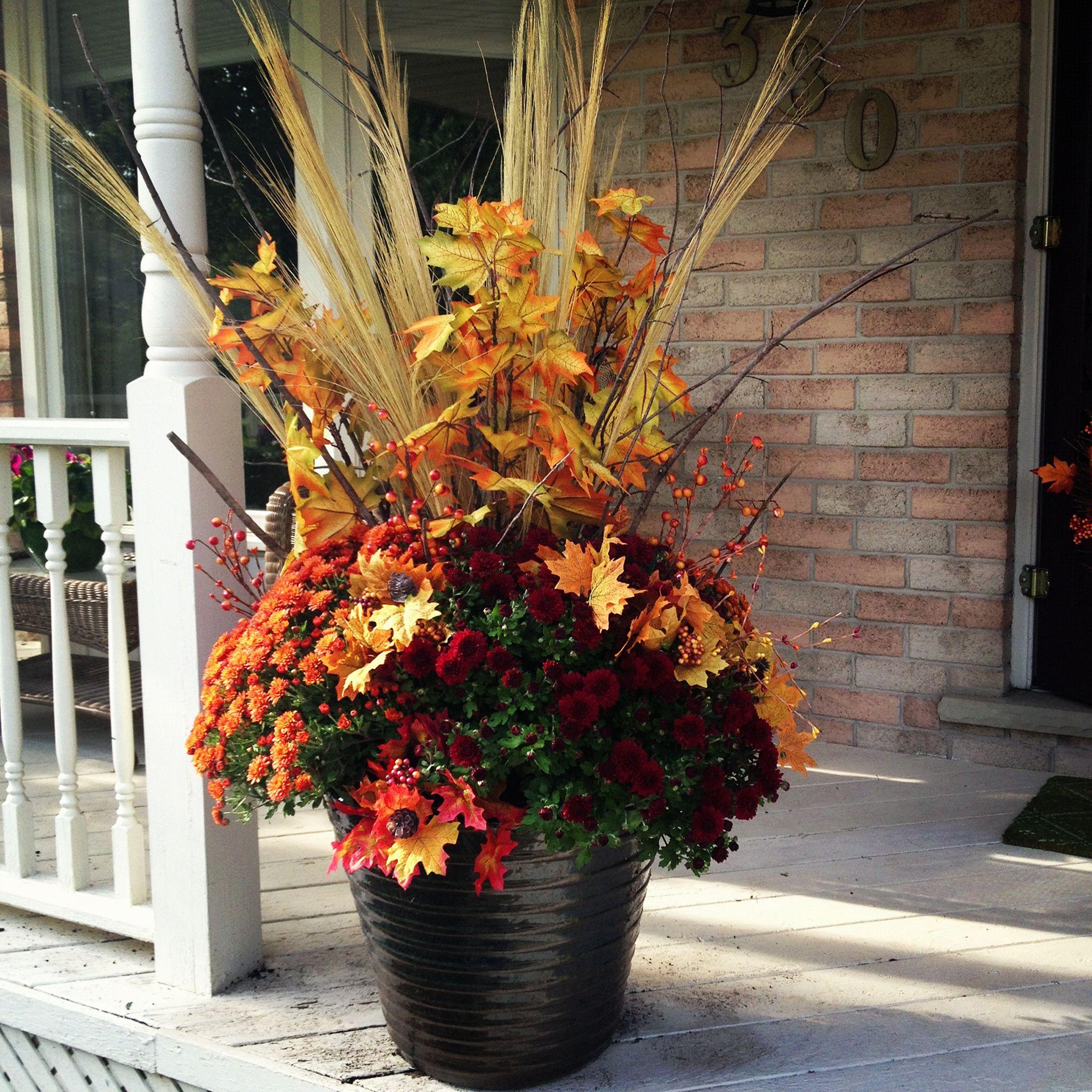 Front porch flower planter ideas 26 front porch flower for Flower planter ideas