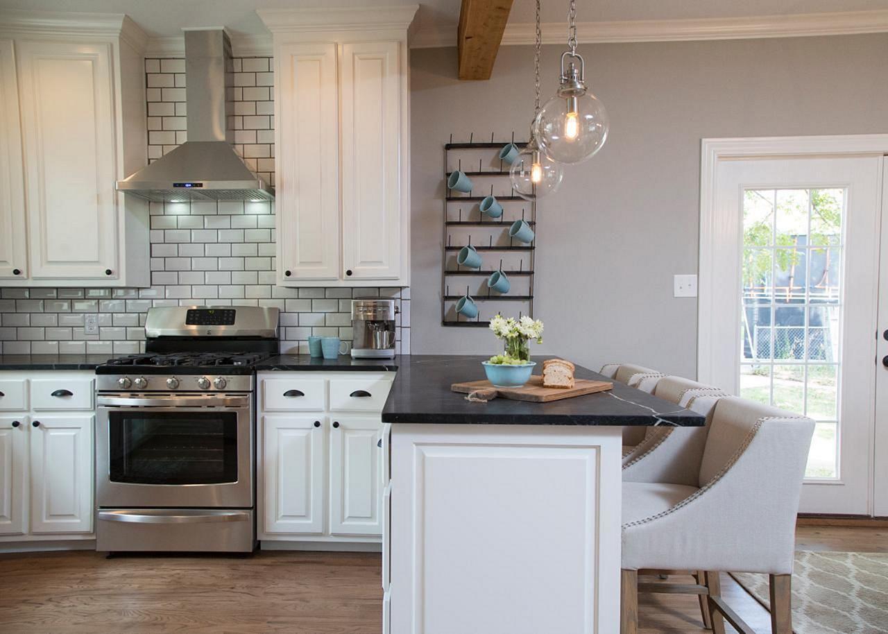 25+ Beautiful Fixer Upper Kitchens Design Ideas By Joanna ...